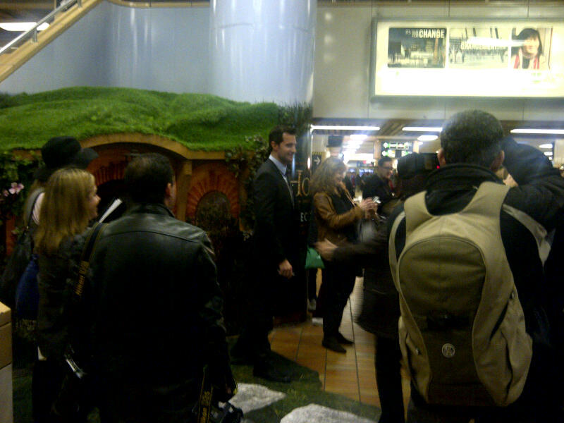 Richard Armitage is in Toronto today to promote The Hobbit. He made